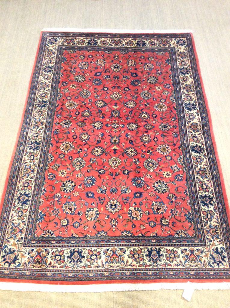 Klassischer Sarough-Teppich in typsicher Stilistik, Foto: Mahdokht Farhadian, www.1001nachthamburg.de